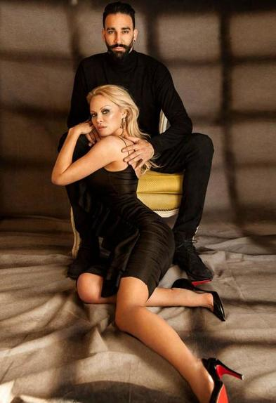 """Романтик, верящий в настоящую любовь: Памела Андерсон о том, как она не перестает ждать своего """"единственного"""""""
