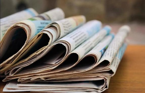 Девушка показала, как с помощью газеты борется с сорняками: лайфхак зашел на  ура
