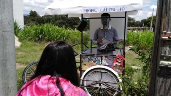 Учитель адаптировал трехколесный велосипед для обучения детей на карантине