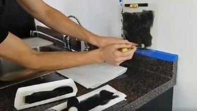 Зачем плитка, когда есть трафареты? Это просто, недорого и смотрится стильно. Обновили ими фартук на кухне: фото