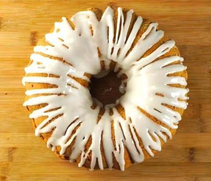 Яблочный кекс со сливочным сыром и орешками: вкус интересный и заморочек минимум