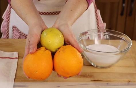 Нажарила булочек с цедрой лимона и апельсина, угостила коллег на работе - все попросили добавки