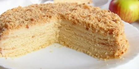 Нежный и очень вкусный яблочный торт. Пеку его всегда, когда начинается сезон яблок
