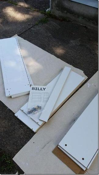 С помощью старых досок обновила свой простой белый шкаф: результатом очень довольна
