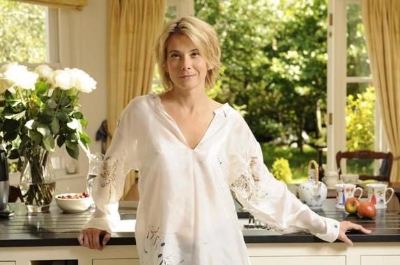 Приготовила роллы с вишней и творогом по рецепту Юлии Высоцкой: их полюбила вся семья