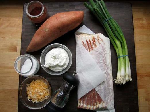 Из сладкого картофеля и бекона делаю необычную закуску: сочные  оладушки  уплетает вся семья