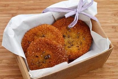 Люблю пробовать необычное: в этот раз испекла медовое печенье с лавандой (рецепт)