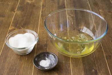 Рецепт простого рулета с какао и сливочным кремом: у меня на весь процесс уходит от силы полчаса