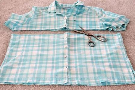 Хотела выбросить старые рубашки, соседка увидела и забрала. Через день принесла симпатичный фартук, мне очень нравится