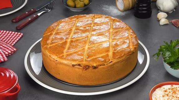 Турецкая классика: нашла отличный рецепт пирога с куриной грудкой, кукурузой и оливками