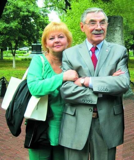 Александр Панкратов Черный узаконил отношения с любимой после 40 лет гражданского брака. Как выглядит его супруга (фото)