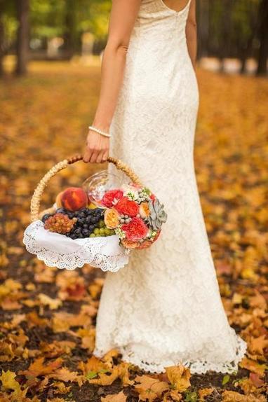 В год Белой Металлической Крысы к бракам нужно отнестись максимально ответственно: выбираем дату осенней свадьбы по лунному и церковному календарю
