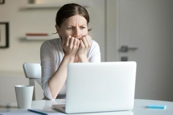 Узнала, что муж изменяет, но не стала устраивать скандал. Когда он вернулся из