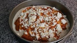 Вместо пиццы начала готовить многослойный пирог с болгарским перцем, сыром и халапеньо: пальчики оближешь