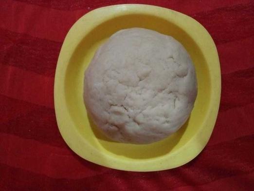 Готовим большие индийские пончики по рецепту уличных торговцев: порадуйте своих близких необычным завтраком