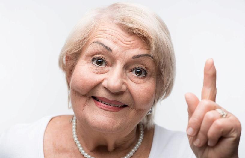 Даша каждые выходные привозила внучек к свекрови. Пенсионерка не выдержала и решила отомстить