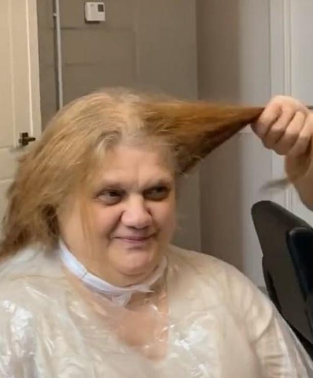 Мужчины, берите себе на заметку – девушка свободна! : парикмахер разрекламировал свою клиентку – знал ведь, что от него она выйдет красоткой