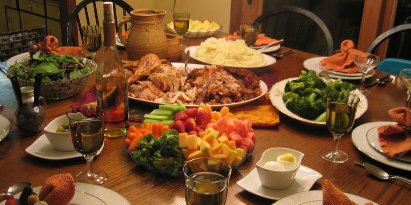 Вечером желательно перекусить: румынский диетолог утверждает, что те, кто пропускает ужин, вредят себе