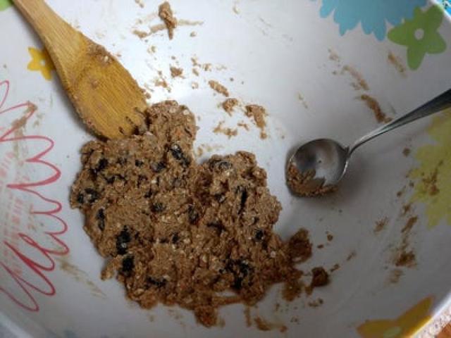 Легкие и хрустящие печенья из бисквитной смеси: отличный вариант перекуса ребенку в школу