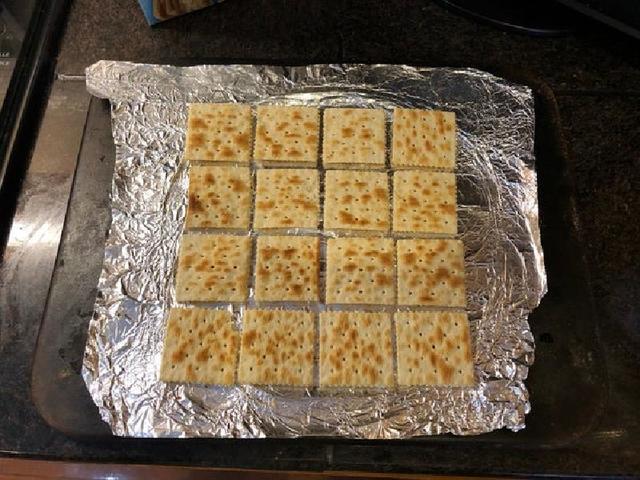 Соленые крекеры в шоколадно карамельной глазури: радую ими детей по праздникам и выходным