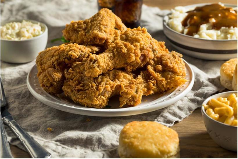 Зачем варить курицу перед жаркой? Есть три веские причины