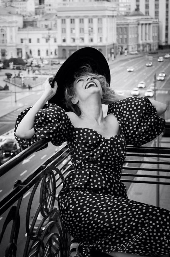 Елена Подкаминская назвала составляющие, которые нужны для успешной фотосессии. Глядя на снимки актрисы в отеле