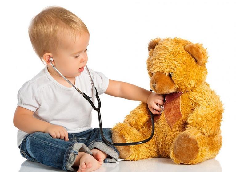 Игра в куклы развивает социальные навыки и сочувствие у детей: новые исследования