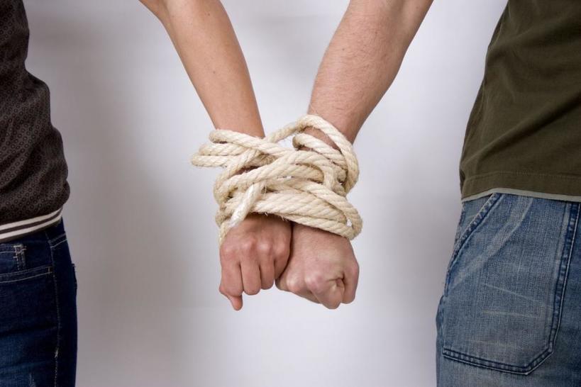 Эмоциональная зависимость   не важная составляющая отношений, а серьезная проблема: избавиться от нее и сохранить отношения вполне реально