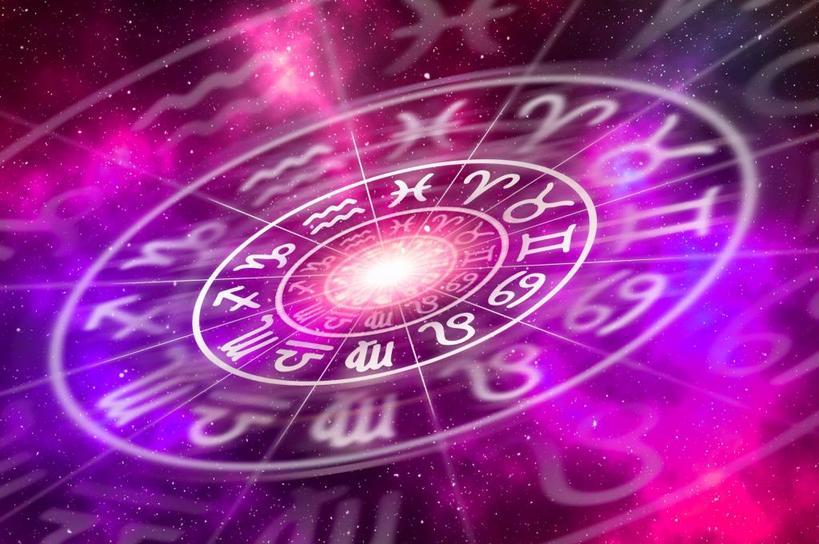 Прилив романтики у Овнов может породить любовь с первого взгляда, а мечты Весов начнут обретать реальные формы: астрологический прогноз для всех знаков зодиака с 18 по 24 октября