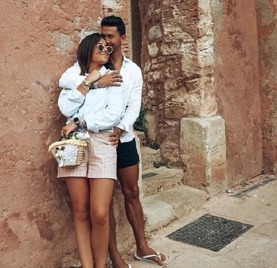 Познакомились онлайн, но не могли встретиться из за коронавируса: Эмили и Ник переживали, что не понравятся друг другу при первой встрече