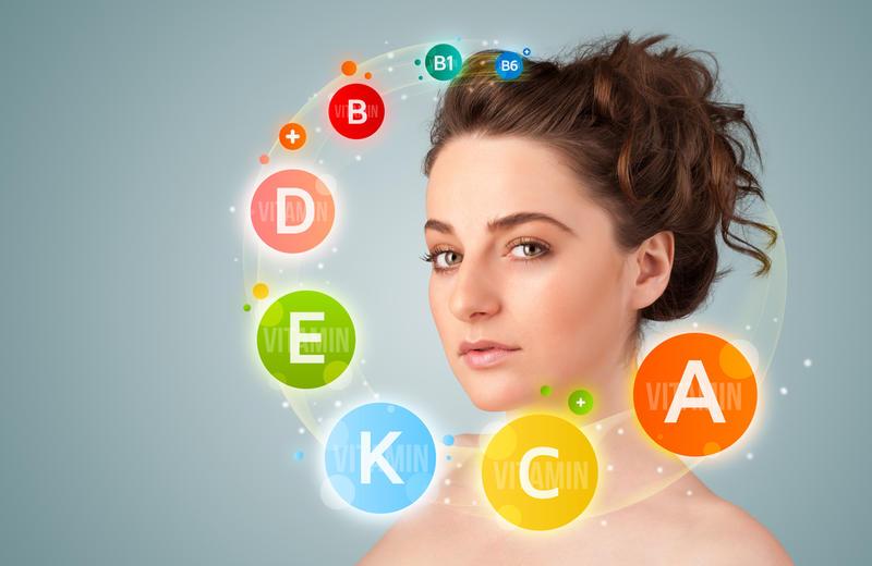 Сохранить здоровый цвет лица помогут витамины, особенно B3, А и К