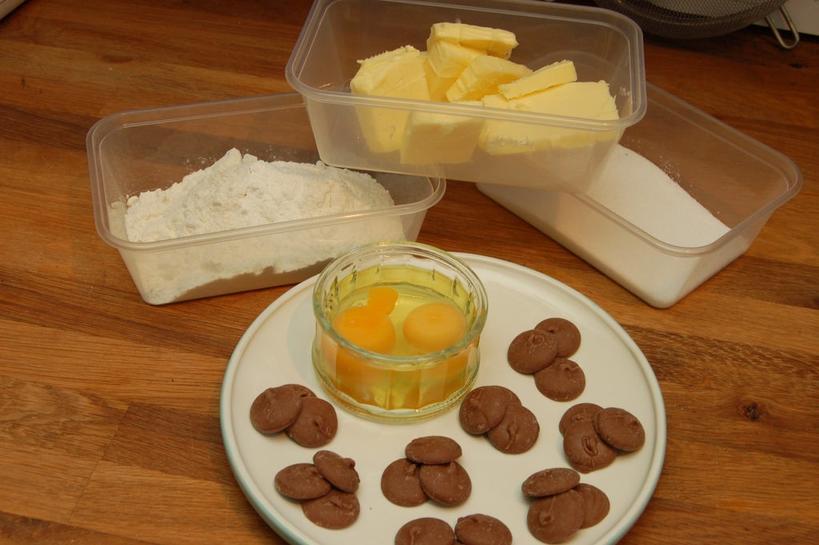 Ванильные кексы с соленой карамелью и сливочной глазурью: нежнейшее лакомство, которое тает во рту