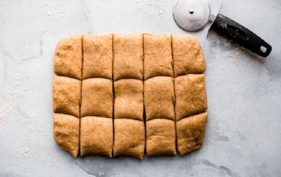 К супу всегда делаю домашние медовые булочки: это вкусно и очень просто
