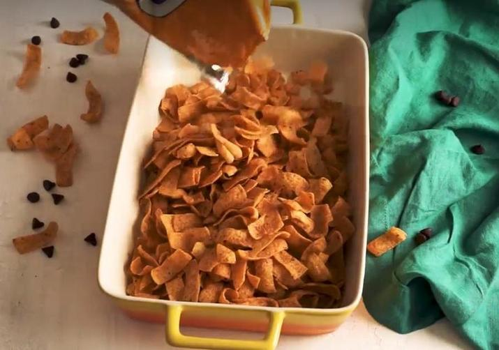 Рецепт батончиков из начос, арахисовой пасты и шоколада: идеальная закуска для тех, кто любит сочетание соленого и сладкого