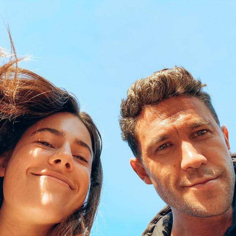 Познакомились онлайн, но не могли встретиться из-за коронавируса: Эмили и Ник переживали, что не понравятся друг другу при первой встрече