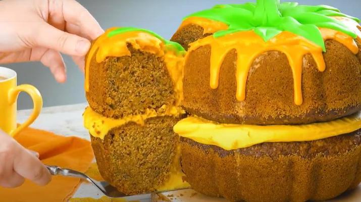 Аппетитная тыковка: испекла торт с тыквой и сырным кремом