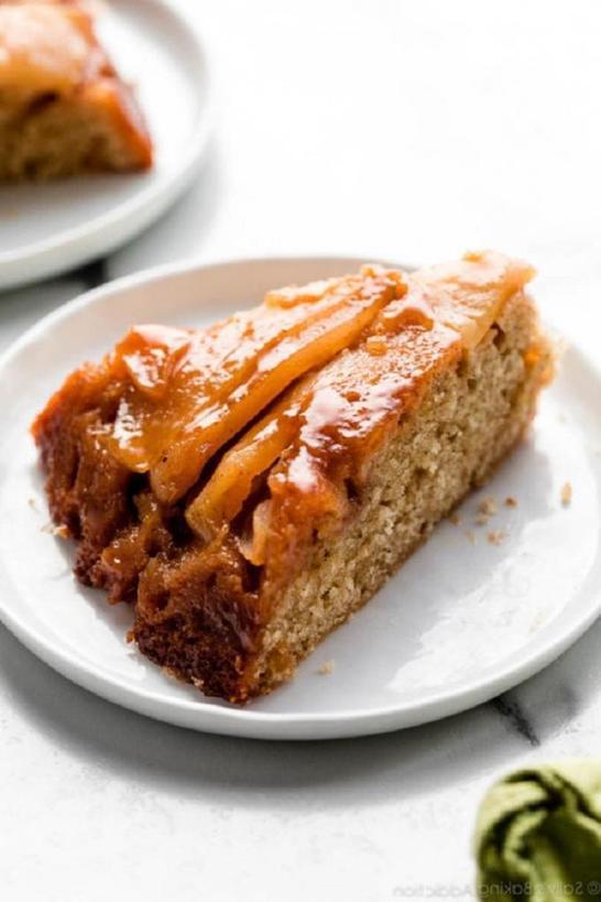 По выходным часто делаю вкуснейший яблочно карамельный пирог «Вверх дном»