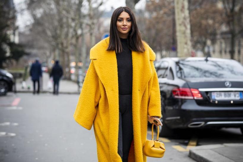 Не спешим прощаться с летом: если добавить желтые вещи в гардероб, у вас и осенью будет хорошее настроение и эффектный стиль
