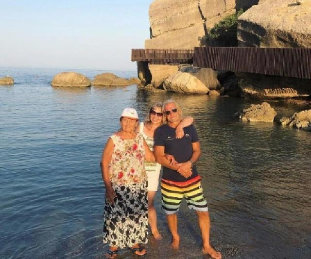 Наталья Водянова показала 90 летнюю бабушку и маму на отдыхе