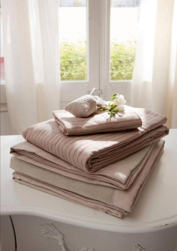 Люблю, когда постельное белье без складок и вкусно пахнет: для этого правильно его храню