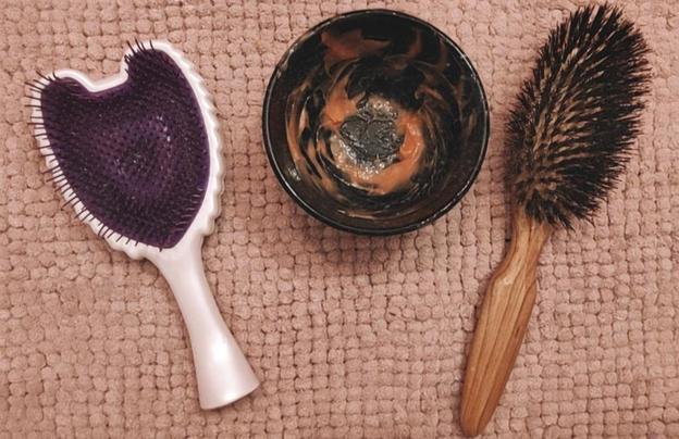 Почему девушки наносят кетчуп на волосы: результаты эксперимента