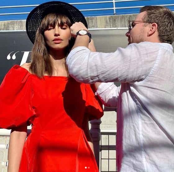 «Вы всегда придерживаетесь одного стиля!» Знаменитый визажист Майкл Браун о пяти ошибках макияжа, которые совершают женщины старше 40 лет