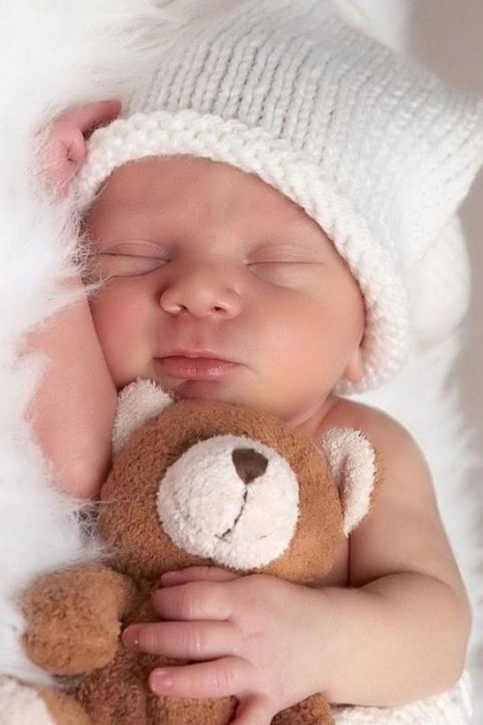 Спите одновременно с ребенком: многодетная мать дала советы молодым родителям