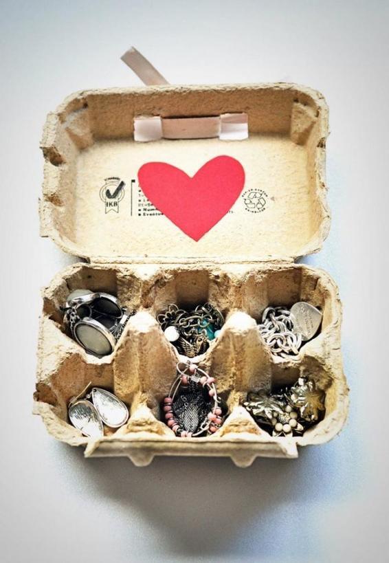 Держатель для украшений можно сделать из деревянных коряг: как оригинально хранить украшения (8 интересных идей)