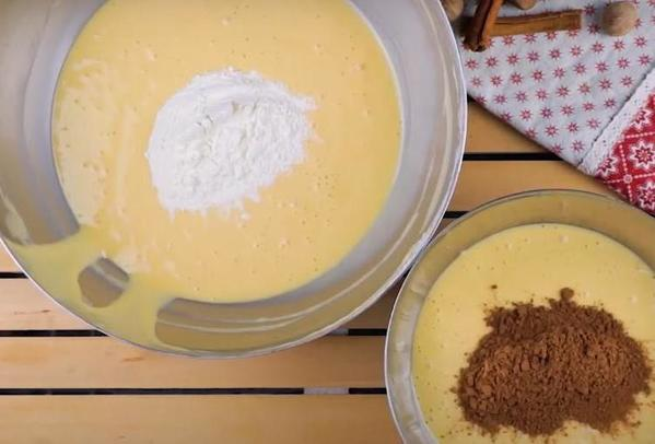 Бисквитный торт пенек с  ежиками  на вершине: готовить такой для деток   одно удовольствие