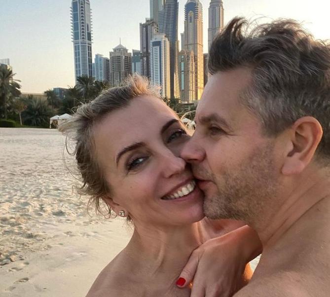 Дубай зовет: Светлана Бондарчук поделилась снимком с отдыха в жаркой стране, который она проводит со своим супругом