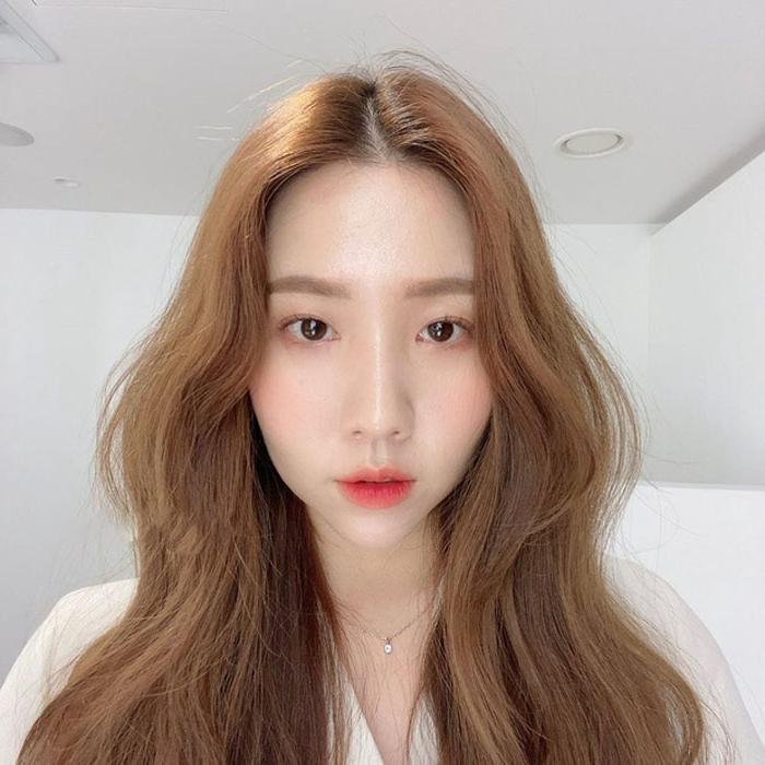 «Не спешите стричь волосы!»: азиатский бьюти блогер считает, что простая смена прически делает вас другим человеком
