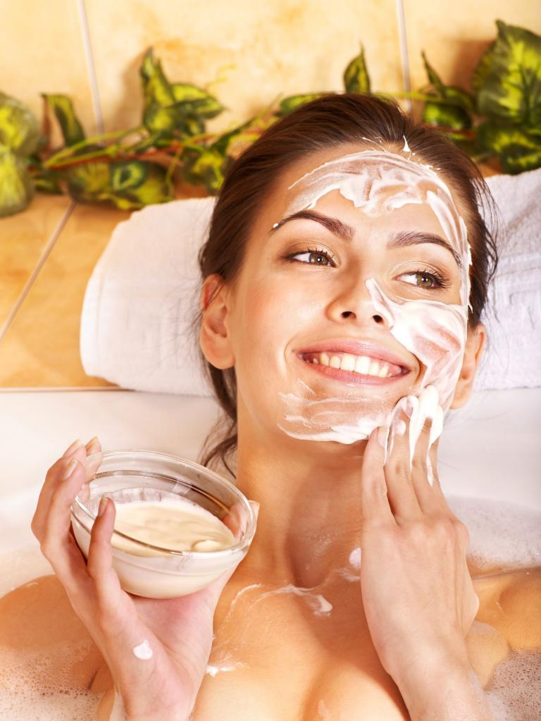 Универсальная маска для лица, которая обновляет кожу. Все натуральное, готовить просто