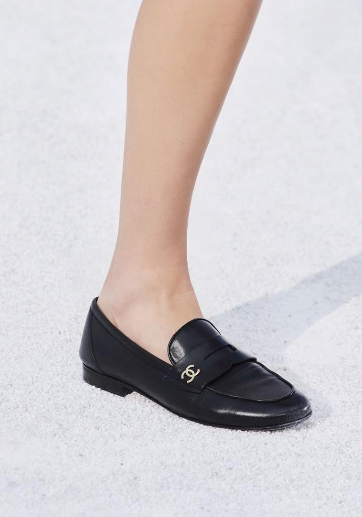 Обувь на плоской подошве: пять тенденций 2021 года, сочетающих шик и комфорт