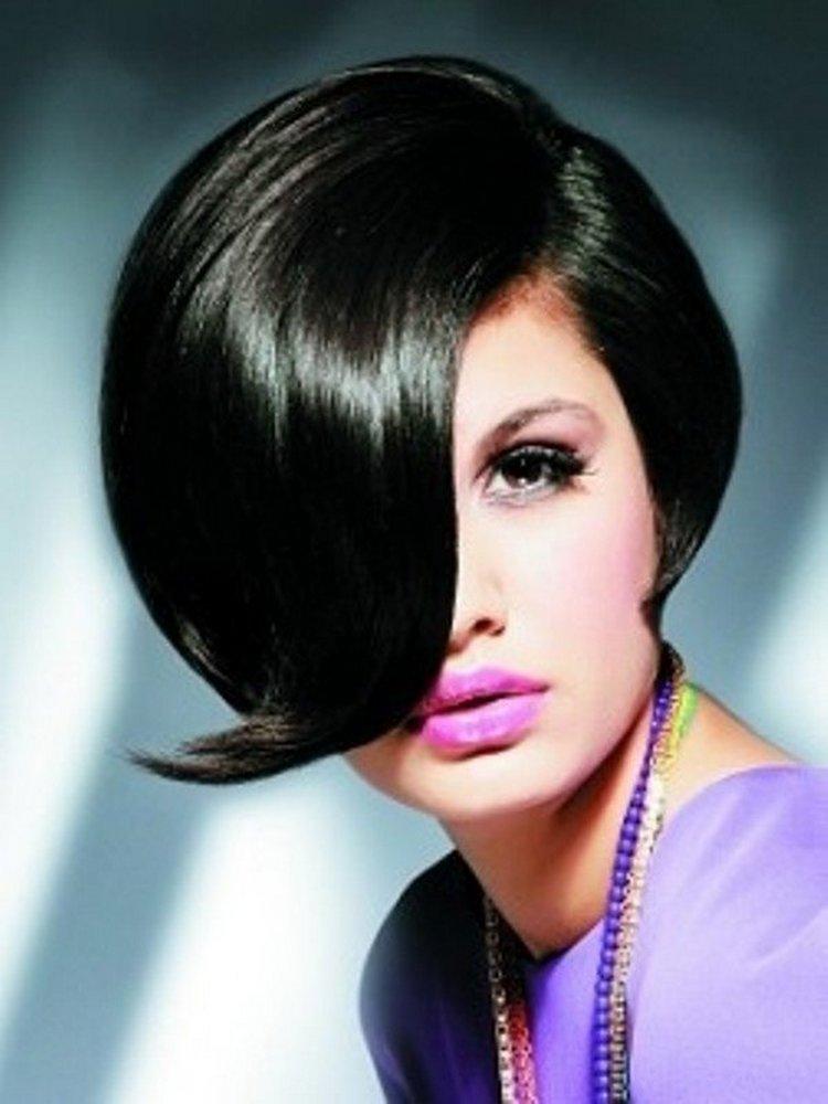 Мы любили экспериментировать с веселыми цветами волос, но классический черный   это шикарный тренд наступившего года